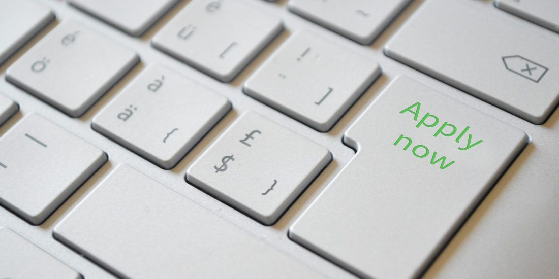 Keyboard with Apply Now button