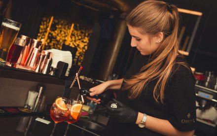 woman_bartender