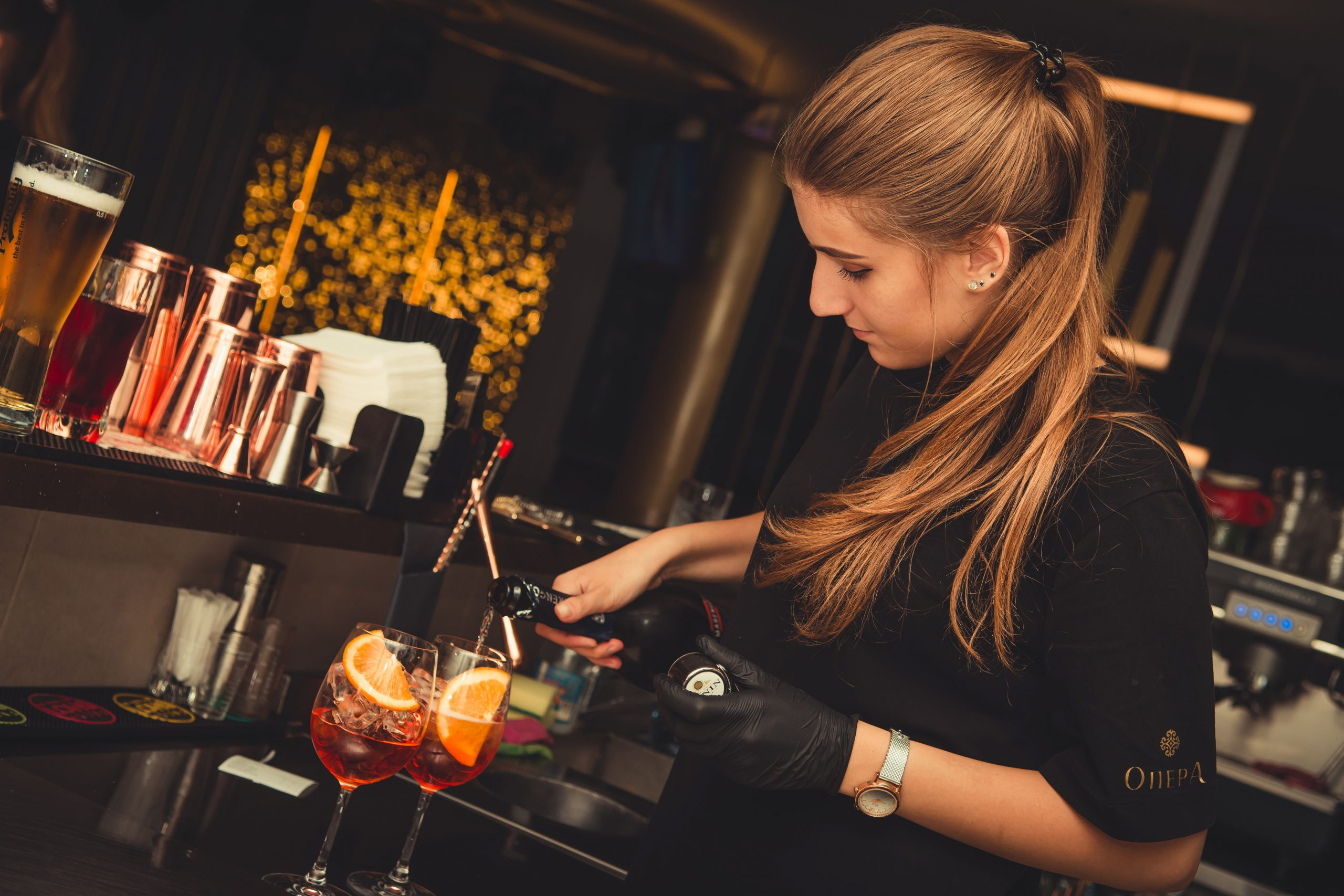 woman_bartender